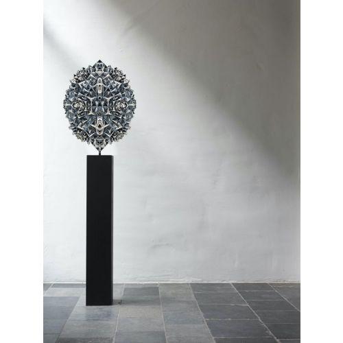Thoscene Sculpture